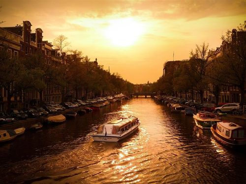 Canals and bridges in amsterdam